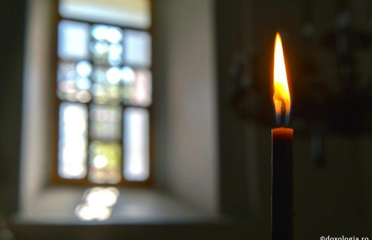 Prezenţa celui adormit în rugăciunile de la Sfânta Liturghie