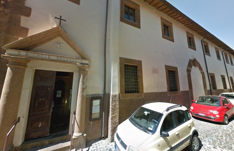 """Biserica """"San Michele"""" – Piazza del Mercato Nr. 2, Monte Compatri (luni-sâmbătă)"""